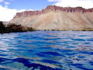 কয়েকটি ব্যতিক্রমি ঘটনা: লুশান পাহাড়, নীল হ্রদসহ আশ্চর্য স্থান 1
