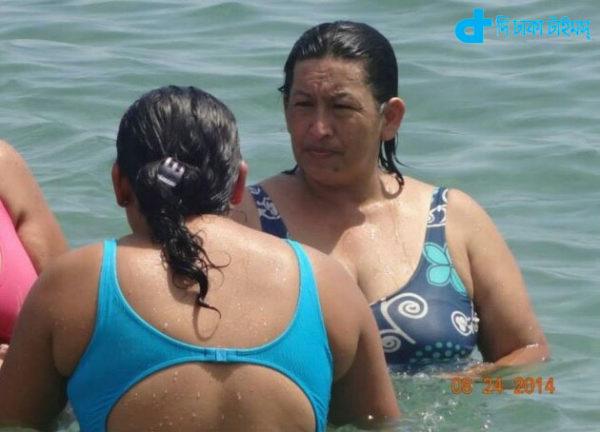 Women as Hugo Chavez