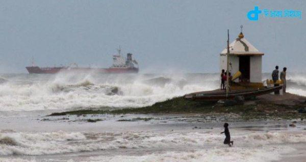 Cyclone Hudhud kills 2
