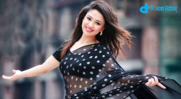 the actress Sonia Hussain returns