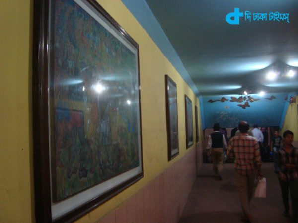 Paintings, artists and Under Pass