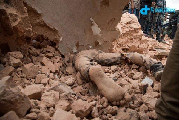 Earthquake violence in Nepal-3
