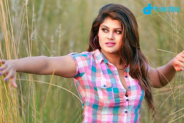 Moumita mau pictures coming