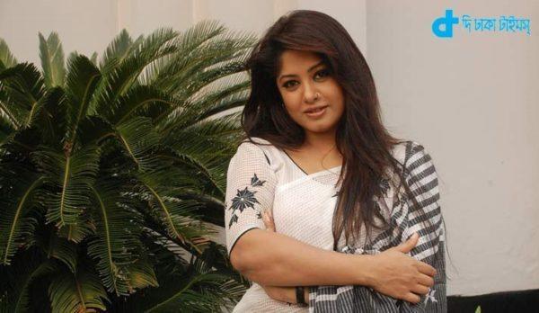 Bengali Movie Night of passengers-3