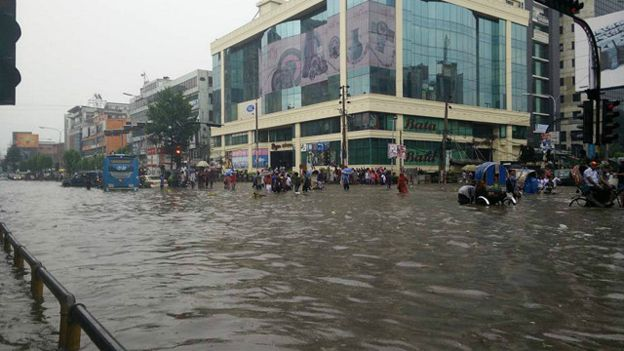 dhaka rain - dhanmondi 27