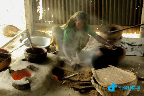 Rural women and fried rice