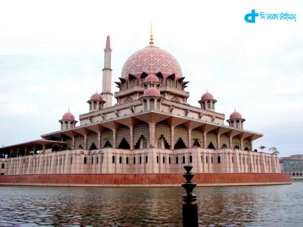 spectacular Masjid Putra Malaysia