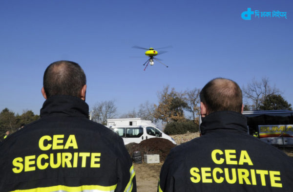 French members of Commissariat a l'Energie Nucleaire, CEA (Atomic Energy Centre) look at a drone during a simulation exercice combining a nuclear accident and an earthquake at the Cadarache CEA nuclear plant, on January 17, 2012, in Saint-Paul-les-Durance, southeastern France.   AFP PHOTO / BORIS HORVAT (Photo credit should read BORIS HORVAT/AFP/Getty Images)