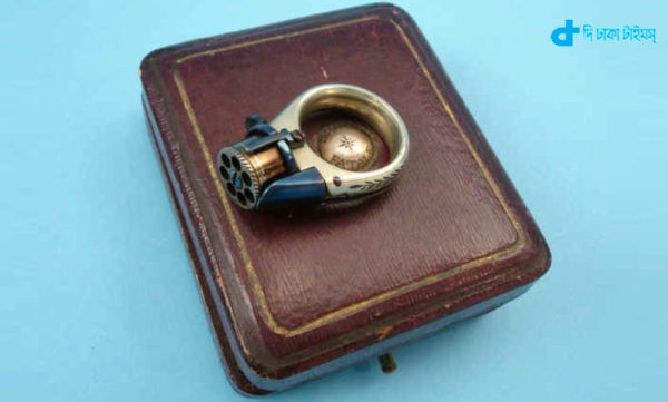 auction was smallest pistol in world