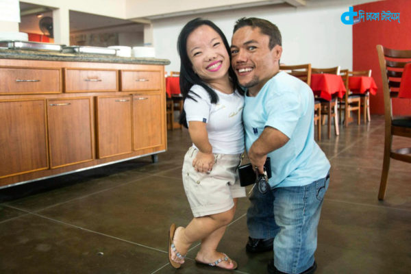 Brazilian dwarf love story