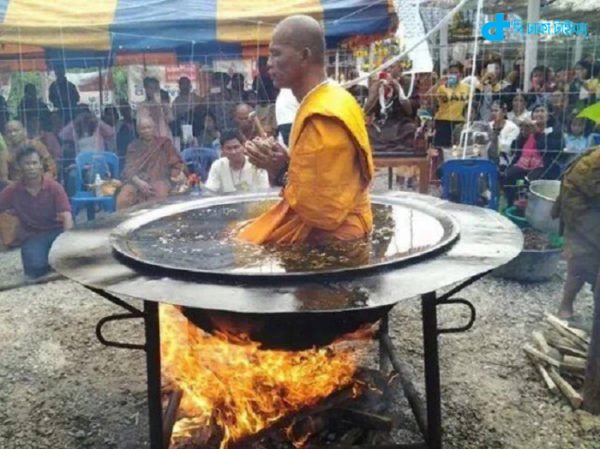 When meditating monk boiling oil