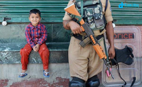 kashmir-rocked-a-baby-picture-3