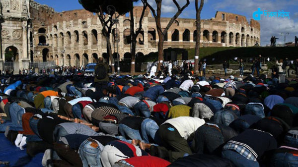 italy-mosque-stop-and-protest