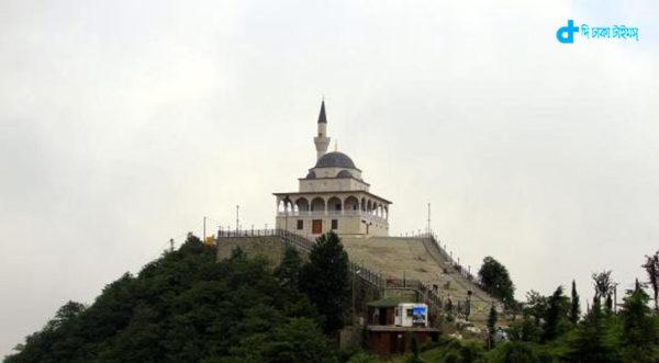 তুরস্কে পর্বতের শীর্ষে ঐতিহাসিক মসজিদ 1