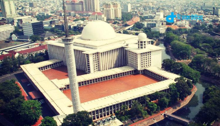 ইন্দোনেশিয়া সৌন্দর্যপূর্ণ ইস্তিকলাল মসজিদ 1