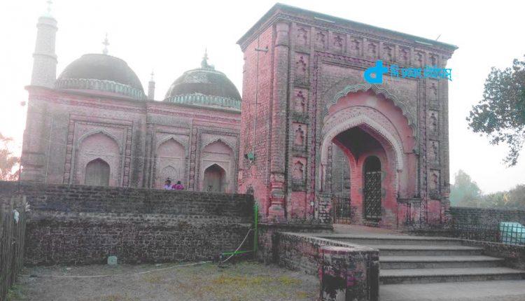 ঠাকুরগাঁও এর ঐতিহাসিক জ্বীনের মসজিদ 1