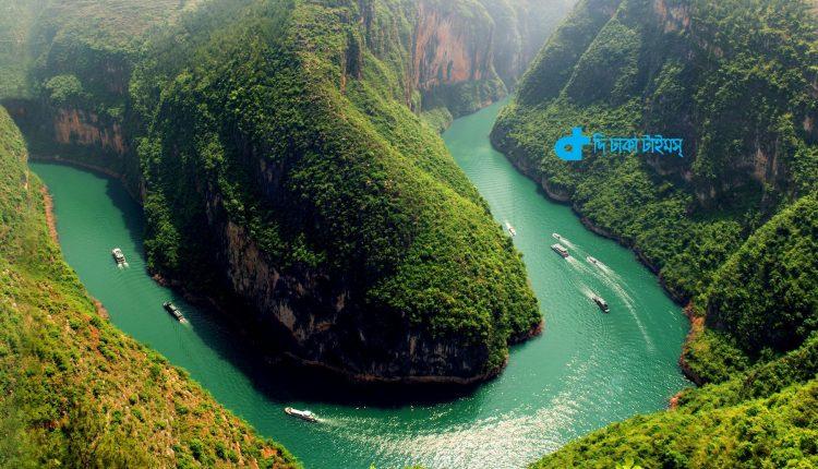 চীনের ইয়াংজি নদীর এক মনোমুগ্ধকর দৃশ্য 1