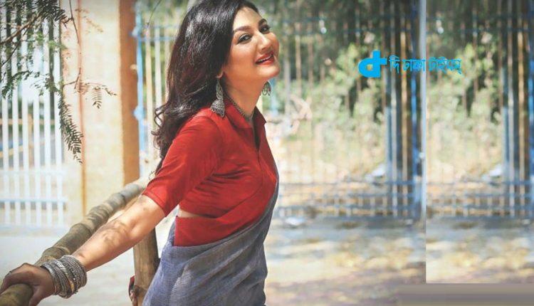 জয়ার নতুন চলচ্চিত্র 'অলাতচক্র' 1