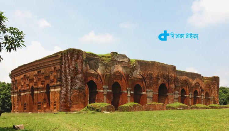 চাঁপাইনবাবগঞ্জের ঐতিহাসিক দারাস বাড়ি মসজিদ 1