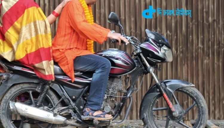 প্রভার সঙ্গে এবার অভিনয় করছেন ইন্তেখাব দিনার 1