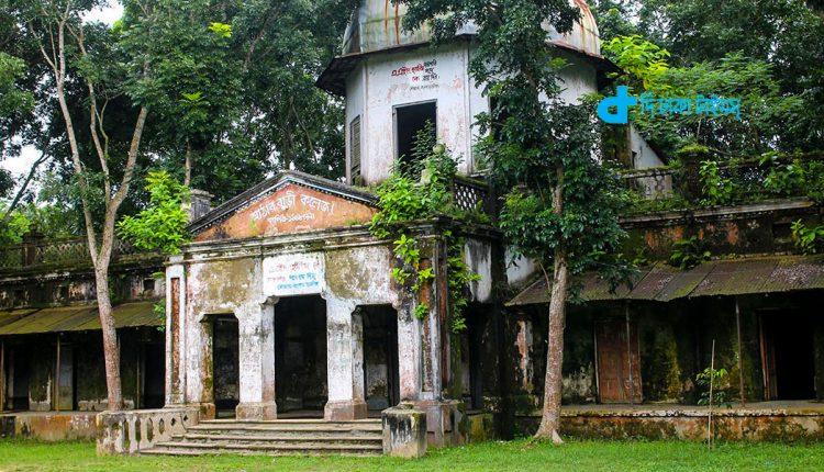 ভ্রমণ: ঘুরে আসুন আঠারবাড়ী জমিদার বাড়ি 1
