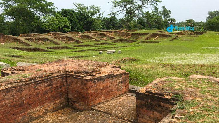 ভ্রমণ: ঘুরে আসুন নওগাঁর জগদ্দল বিহার 1