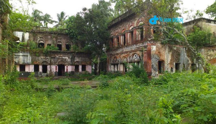 ভ্রমণ: ঘুরে আসুন ফেনীর দাগনভূঞার প্রতাপপুর জমিদার বাড়ি 1