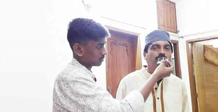 সাংবাদিক ইকবাল আহমদ ছেলেসহ ঘরে চিকিৎসা নিয়ে করোনা জয় করলেন 1