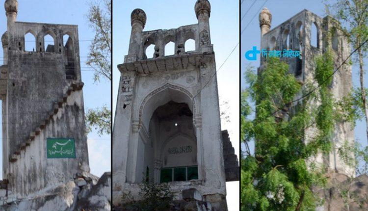 ভারতের হায়দারাবাদে ৪শ বছরের প্রাচীন ক্ষুদ্রতম মসজিদ 1
