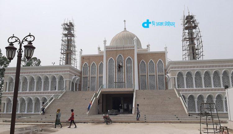 সিরাজগঞ্জের চৌহালীর বাহেলা খাতুন জামে মসজিদ 1