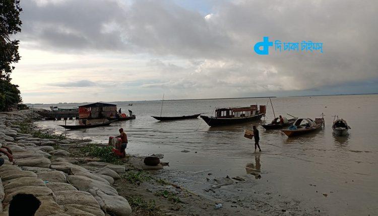 মানিকগঞ্জের আন্দার মানিক হরিরামপুরের পদ্মা নদীর একটি দৃশ্য 1